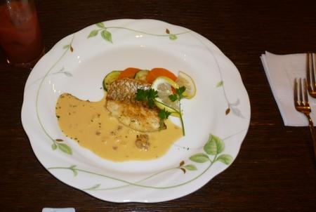 35-2日目-夕食-魚-P1010533.JPG